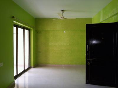Gallery Cover Image of 1084 Sq.ft 2 BHK Apartment for rent in Tollygunge for 30000