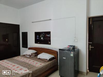 Gallery Cover Image of 500 Sq.ft 1 RK Independent Floor for rent in Lajpat Nagar for 17000
