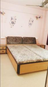 Gallery Cover Image of 900 Sq.ft 2 BHK Apartment for rent in  Ratannagari CHS, Shukrawar Peth for 31000