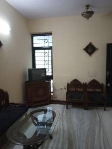 Gallery Cover Image of 900 Sq.ft 2 BHK Apartment for rent in Lawyer's Colony for 18000