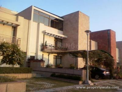 Gallery Cover Image of 8500 Sq.ft 5 BHK Villa for buy in Unitech Uniworld Resort The Villas, Sector 33 for 65000000