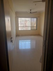 Gallery Cover Image of 970 Sq.ft 2 BHK Apartment for rent in Vardhaman Gawand Baug, Thane West for 24500