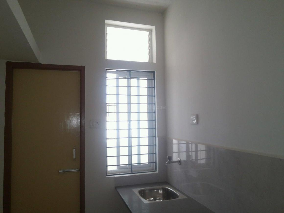 Kitchen Image of 728 Sq.ft 2 BHK Apartment for rent in Oragadam for 7000