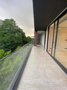 Gallery Cover Image of 2925 Sq.ft 3 BHK Independent Floor for buy in Defence Colony for 85000000