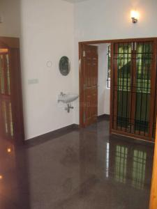 Gallery Cover Image of 6000 Sq.ft 6 BHK Independent House for rent in Pallikaranai for 75000