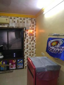 Gallery Cover Image of 340 Sq.ft 1 RK Apartment for rent in Prabhadevi for 20000