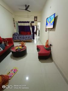 Gallery Cover Image of 1000 Sq.ft 2 BHK Apartment for buy in Sangam Nagar for 3000000