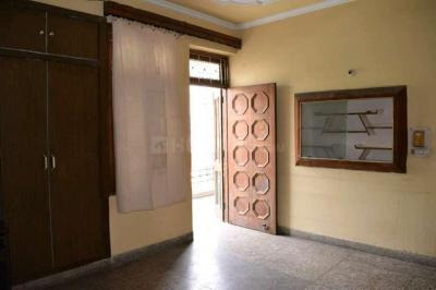 Gallery Cover Image of 400 Sq.ft 1 BHK Independent Floor for rent in Janakpuri for 22000