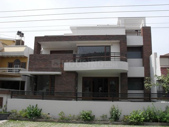 Building Image of 1450 Sq.ft 2 BHK Independent Floor for rent in Sector 17 for 22000