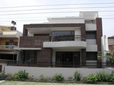 Gallery Cover Image of 1450 Sq.ft 2 BHK Independent Floor for rent in Sector 17 for 22000