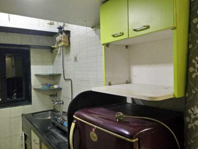Gallery Cover Image of 1050 Sq.ft 2 BHK Apartment for rent in Friends Apartment, Nerul for 20000