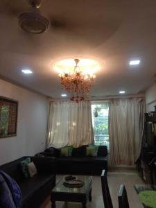 Gallery Cover Image of 800 Sq.ft 2 BHK Apartment for rent in Santacruz West for 100000