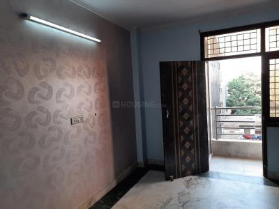 Gallery Cover Image of 550 Sq.ft 1 BHK Independent Floor for rent in Dwarka Mor for 8000