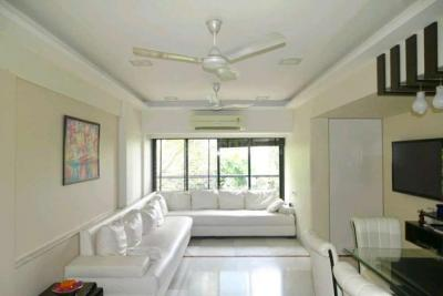 Gallery Cover Image of 1250 Sq.ft 3 BHK Apartment for rent in Bandra West for 250000