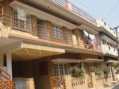 Gallery Cover Image of 1100 Sq.ft 2 BHK Independent House for rent in Kaval Byrasandra for 15000