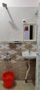 Bathroom Image of City Guest New Luxury PG For Ladies in Sadduguntepalya