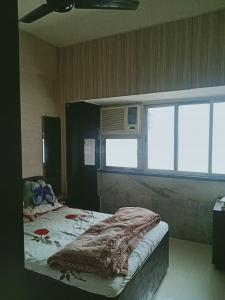 Gallery Cover Image of 600 Sq.ft 2 BHK Apartment for buy in Shreepati Castle, Girgaon for 25000000