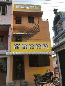 Gallery Cover Image of 600 Sq.ft 1 BHK Independent House for rent in Ennaikaran for 7000