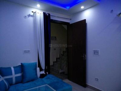 Gallery Cover Image of 720 Sq.ft 3 BHK Apartment for buy in Uttam Nagar for 4399999