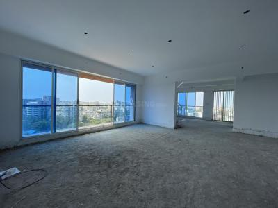 Gallery Cover Image of 4200 Sq.ft 6 BHK Independent Floor for buy in Juhu for 235000000