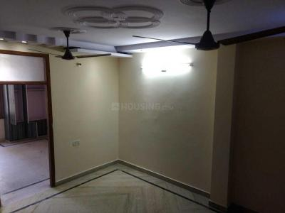 Gallery Cover Image of 1000 Sq.ft 3 BHK Apartment for rent in Sector 4 Rohini for 13500