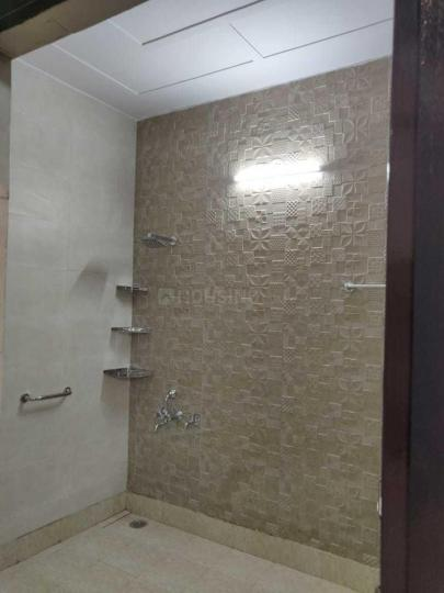 Common Bathroom Image of 710 Sq.ft 1 BHK Independent Floor for rent in Alpha I Greater Noida for 6000