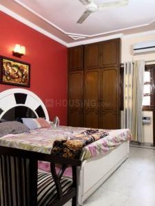 Gallery Cover Image of 1250 Sq.ft 3 BHK Apartment for rent in Swaraj RWA Sant Nagar, Sant Nagar for 30000
