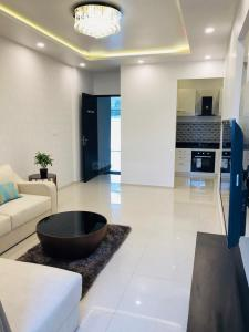 Gallery Cover Image of 1042 Sq.ft 2 BHK Apartment for buy in Royal Palms, Mohammed Wadi for 7200000