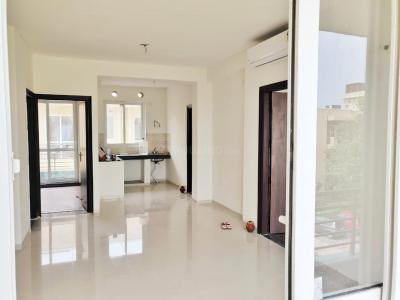 Gallery Cover Image of 1250 Sq.ft 2 BHK Apartment for buy in BPTP Discovery Park, Sector 80 for 4800000