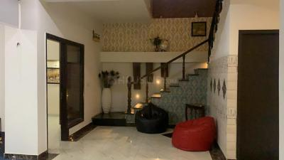 Gallery Cover Image of 4000 Sq.ft 4 BHK Independent Floor for buy in SS Aaron Ville, Sector 48 for 25000000