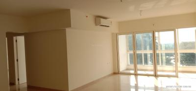 Gallery Cover Image of 2000 Sq.ft 4 BHK Apartment for rent in Godrej The Trees, Vikhroli East for 160000