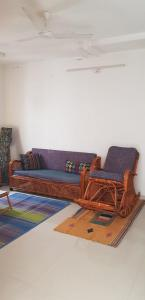 Gallery Cover Image of 1350 Sq.ft 3 BHK Apartment for rent in Kondapur for 42000