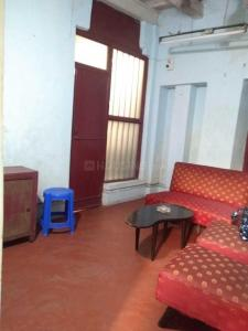 Gallery Cover Image of 800 Sq.ft 2 BHK Independent Floor for rent in Kalighat for 10000