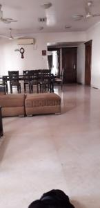 Gallery Cover Image of 3000 Sq.ft 4 BHK Apartment for rent in Juhu for 350000