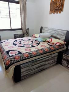Gallery Cover Image of 1356 Sq.ft 3 BHK Apartment for buy in Dattani Shelter, Goregaon West for 25000000