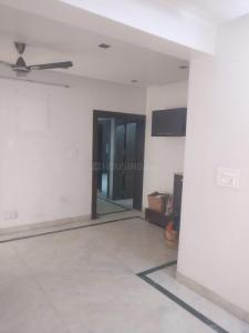 Gallery Cover Image of 1100 Sq.ft 3 BHK Apartment for rent in Ashok Vihar Phase 3 Block A RWA, Ashok Vihar for 32000