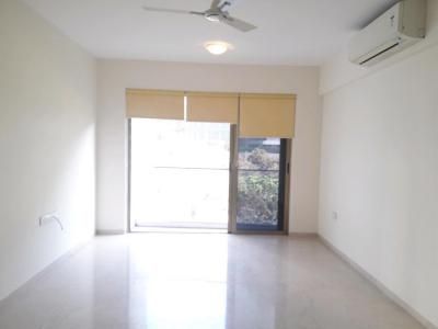Gallery Cover Image of 1800 Sq.ft 3 BHK Apartment for rent in Bandra East for 220000