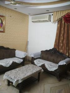 Gallery Cover Image of 600 Sq.ft 1 BHK Independent House for rent in Vikaspuri for 13000