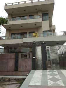 Gallery Cover Image of 8122 Sq.ft 9 BHK Independent House for buy in Sector 105 for 39000000