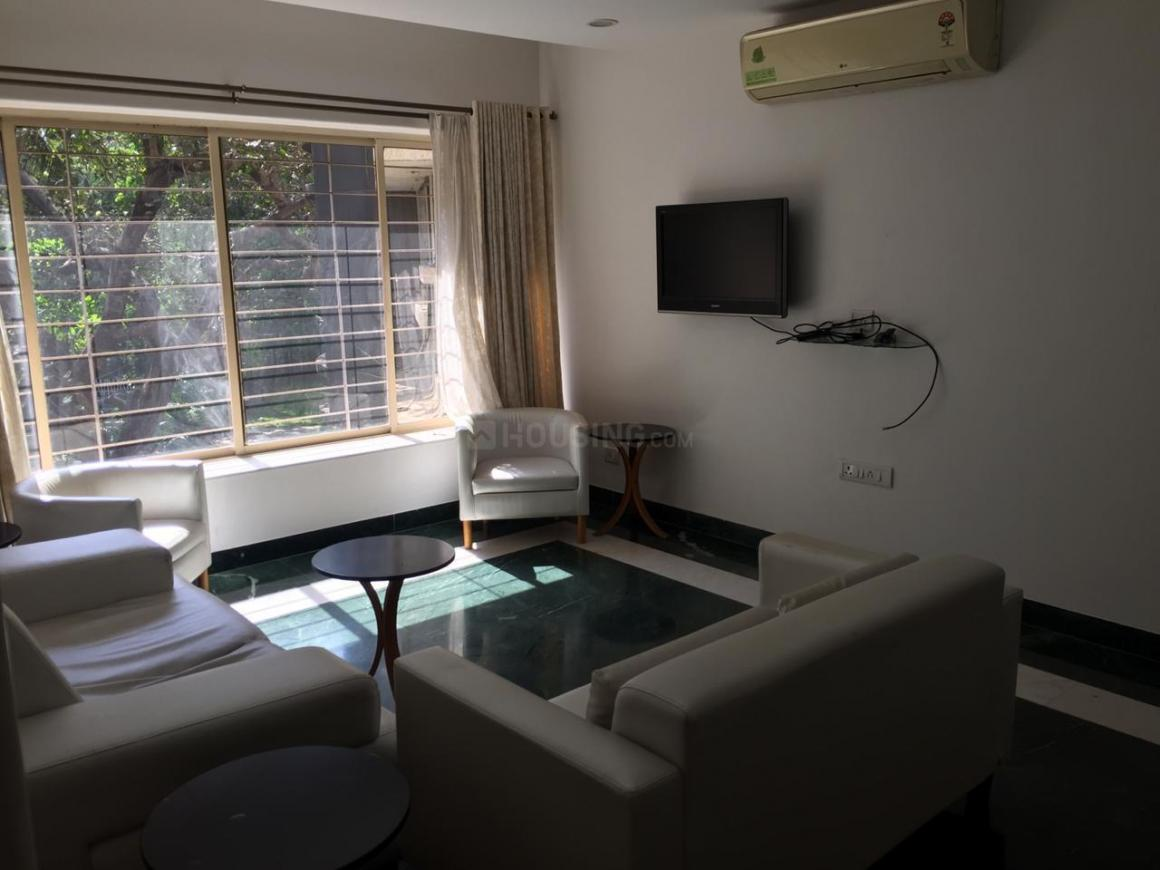 Living Room Image of 800 Sq.ft 2 BHK Apartment for rent in Bandra West for 130000