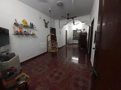 Gallery Cover Image of 1000 Sq.ft 3 BHK Apartment for buy in Vadapalani for 7500000