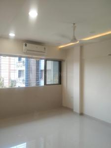 Gallery Cover Image of 1000 Sq.ft 2 BHK Apartment for rent in Golden palace, Bandra West for 90000