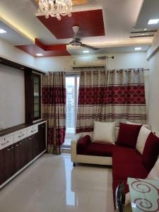 Gallery Cover Image of 1100 Sq.ft 2 BHK Apartment for rent in Keshav Winds, Kharghar for 30000