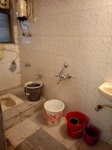 Bathroom Image of Boy in Andheri West