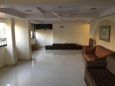 Gallery Cover Image of 1500 Sq.ft 1 BHK Apartment for rent in Bandra West for 90000