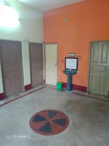 Gallery Cover Image of 800 Sq.ft 2 BHK Independent Floor for rent in South Dum Dum for 7500