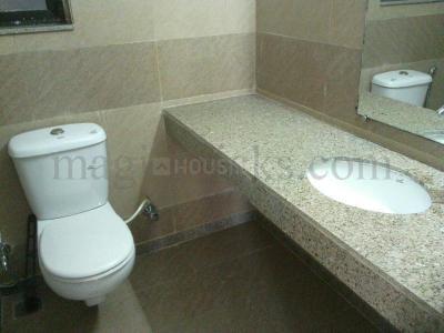 भांडूप वेस्ट में महिंद्रा लाइफस्पेसेस स्प्लेंडर के बाथरूम की तस्वीर