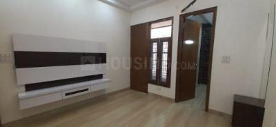 Gallery Cover Image of 1800 Sq.ft 4 BHK Independent Floor for buy in Kaushambi for 13500000