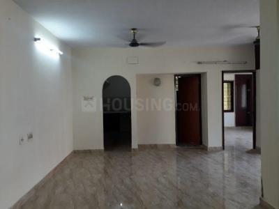 Gallery Cover Image of 1200 Sq.ft 2 BHK Apartment for rent in Choolaimedu for 20000