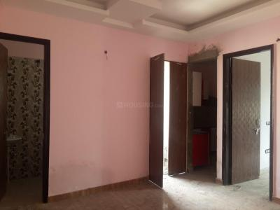 Gallery Cover Image of 700 Sq.ft 2 BHK Apartment for buy in Ashok Vihar Phase III Extension for 2500000